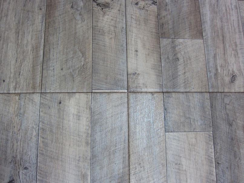 この床は畳です!畳なので断熱性もあります。お客様にも大変喜んで頂けました。