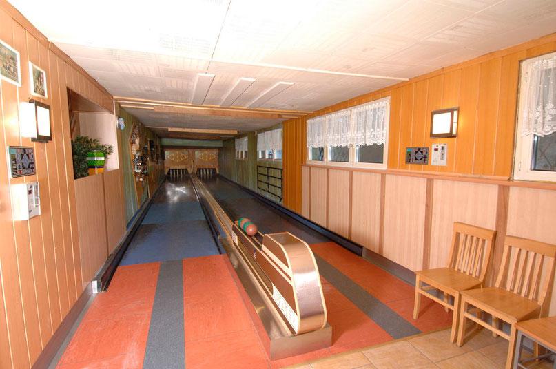 Ab 17:00 Uhr ist die Kegelbahn in Bobbys Pub für die Pony-Meisterschaft in Saalbach am 30. Mai 2015 geöffnet!