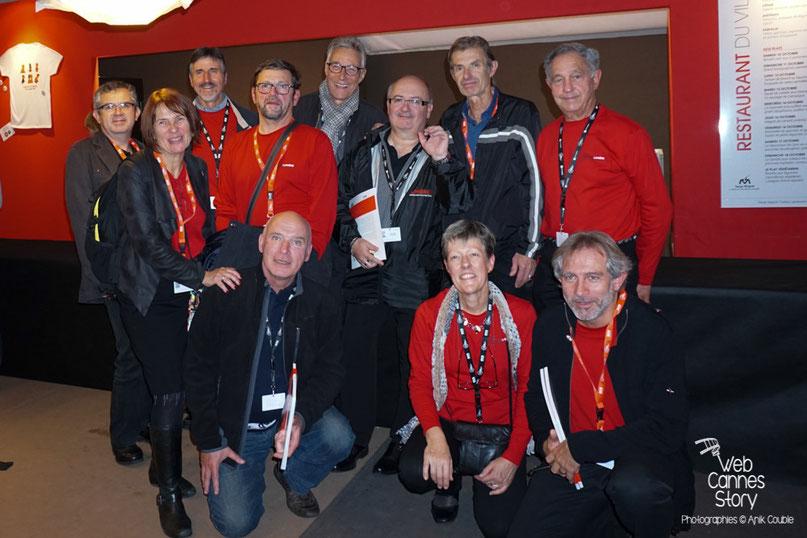 La photo de famille des bénévoles chauffeurs - Clôture du Festival Lumière - Lyon - Octobre 2015 - Photo © Anik COUBLE