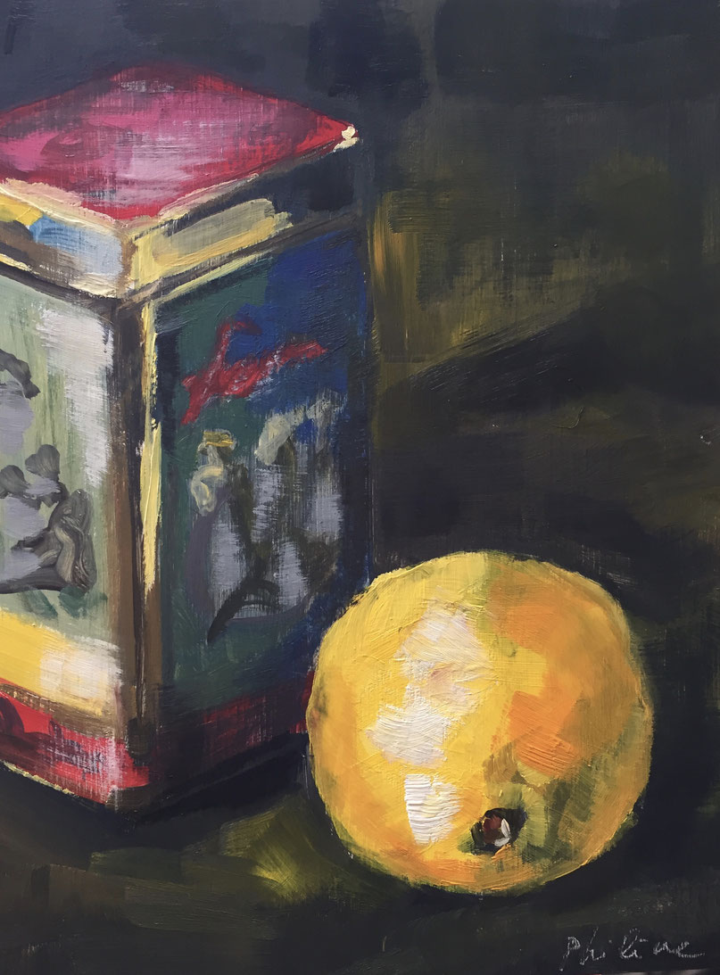 Lemon and a chinese tea tin, oil on panel 15x20 cm by Philine van der Vegte