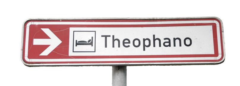 Hinweisschild auf das Hotel Theophano in Quedlinburg