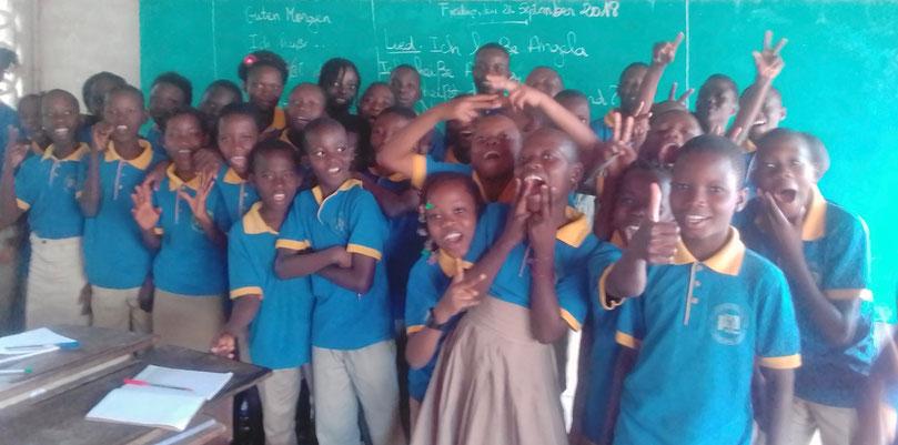 Deutschkurs im September 2018 an unserer Partnerschule in Bénin (© Racine à l'Avenir/Brühl Stiftung)