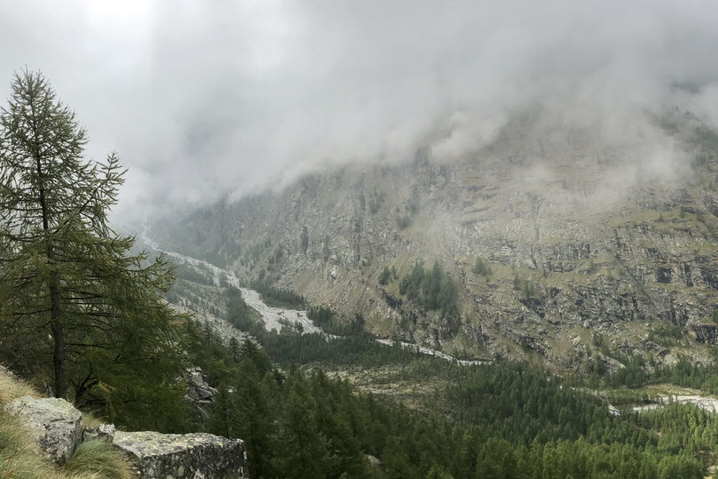 Hiking options and route in the Gran Paradiso National Park, Italy. An outdoor paradise for the avid hiker.