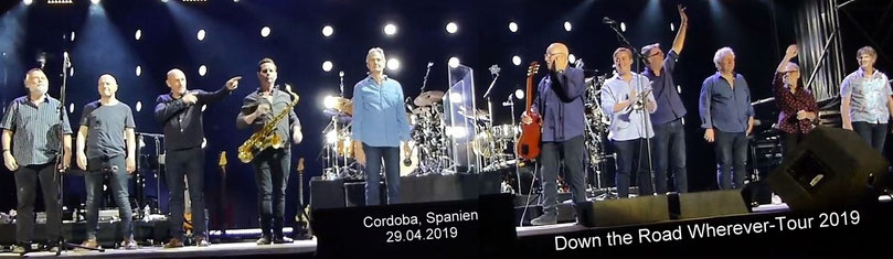 Mark Knopfler Tour 2019 Band Mitglieder Jim Cox, John McCusker, Mike McGoldrick., Graeme Blevins (neu dabei: Saxofon), Glenn Worf, Mark Knopfler,  Tom Walsh (neu dabei: Trompete) , Ian Thomas , Danny Cummings, Richard Bennett, Guy Fletcher