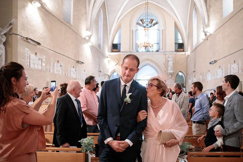 photographe mariage montpellier entrée du marié église