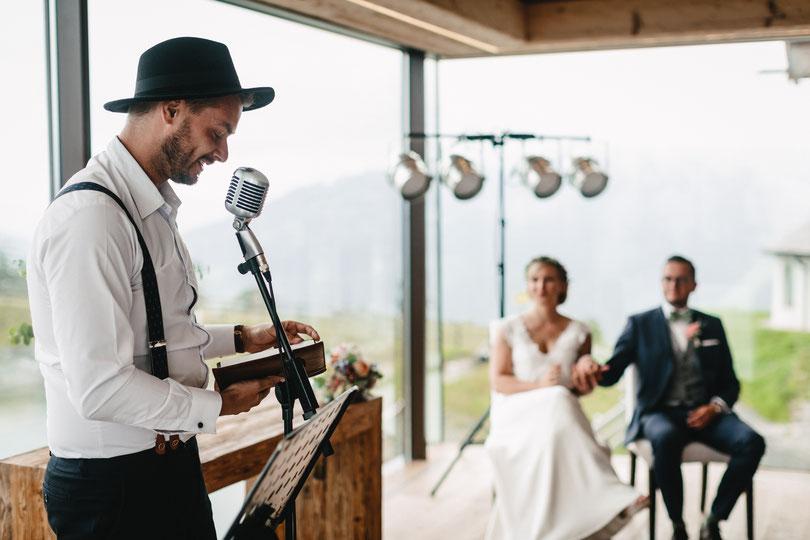 Johann-Jakob Wulf. Strauß & Fliege, Freier Hochzeitsredner, Freie Trauung, Bayern, München, Österreich, Blog, Alpen, Hochzeit, Berge, Alm