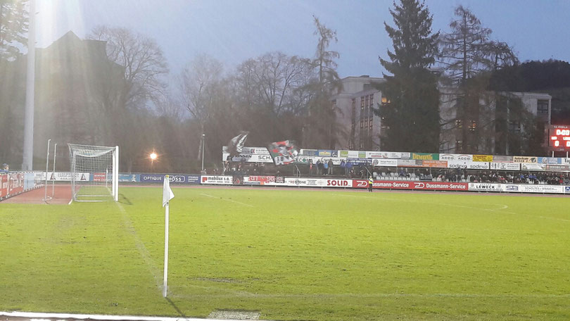 Gegen Lüttich befanden sich unter den 951 Zuschauern auch ca. 100 Gäste.