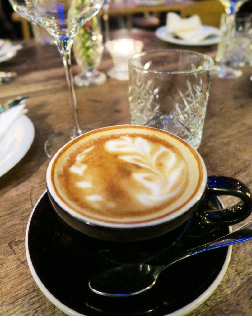 Cappuccino im Kraftwerk Cafe