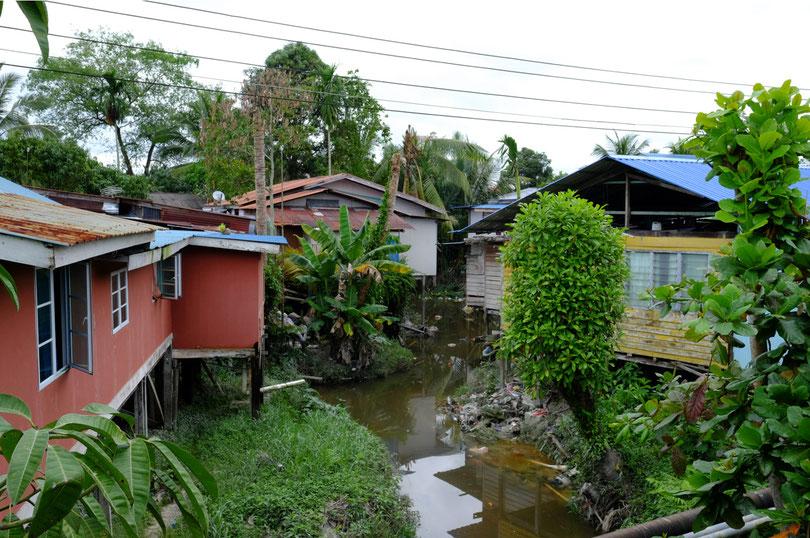 Ein Blick in das Leben der ärmeren Bewohner Borneos