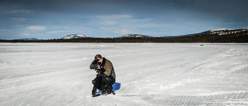 Hubert Hill bei Dreharbeiten am Polarkreis, Sorsele Schweden
