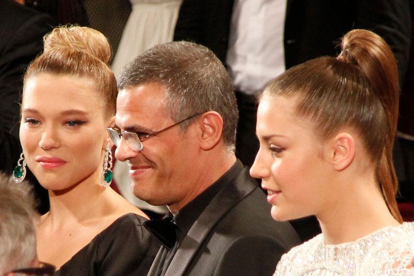 Adèle EXARCHOPOULOS, Abdellatif KECHICHE et Léa SEYDOUX - Festival de Cannes 2013 - Photo © Anik COUBLE