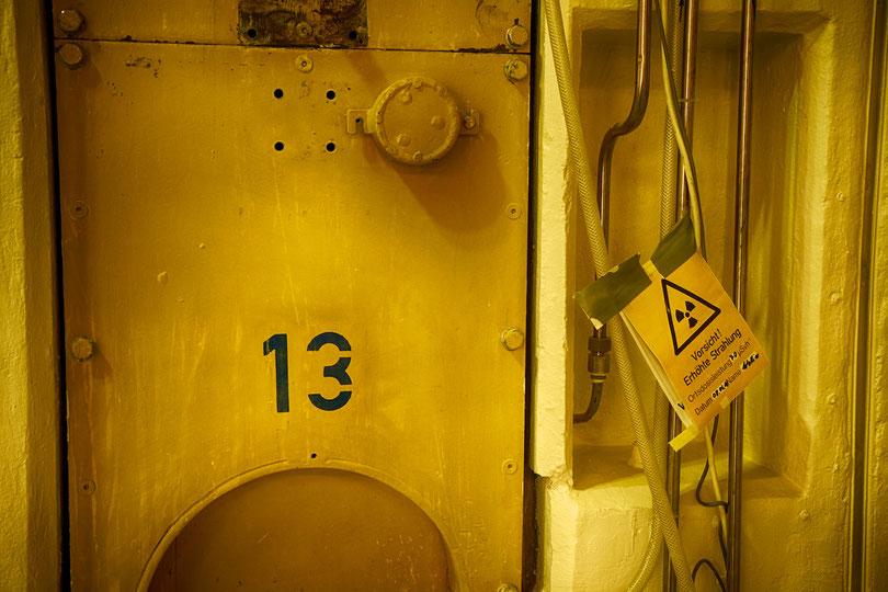 Anschluss eines Neutronen-Strahlrohrs