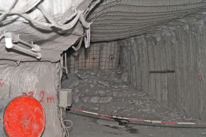 Asse: Auch Betonstützen können dem Gebirgsdruck nicht lange trotzen