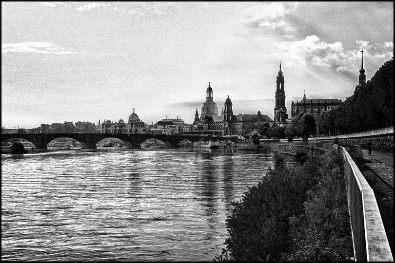 Dresdener Uferpromenade