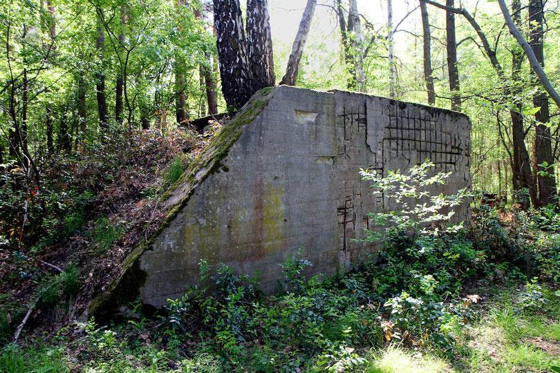 Betonschacht des ersten deutschen Atomreaktors von 1942 (das darüber gebaute Holz-Experimentiergebäude steht nicht mehr)