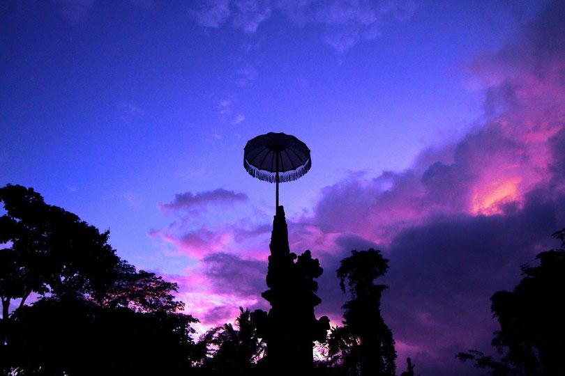 Sonnenaufgang im Hanoman-Tempel in Ubud