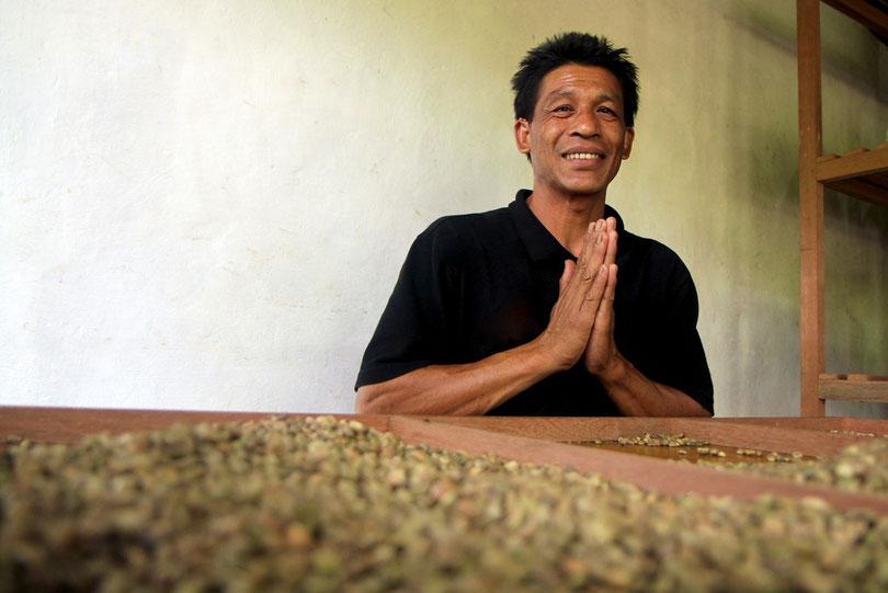Kaffee-Sortierer in Ubud