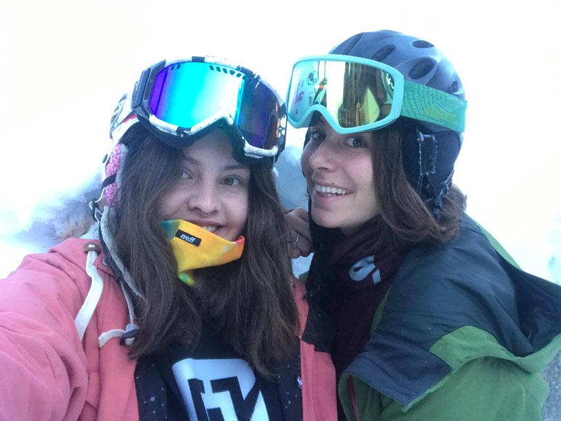 Noemi und Anna-Lena - Snowboardleiterinnen