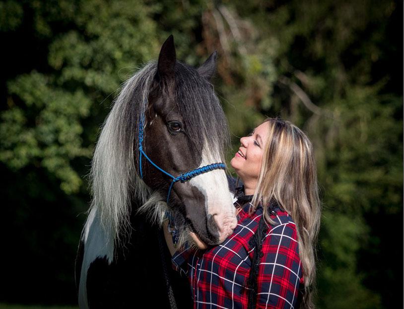 Monika Mansour, Pferde