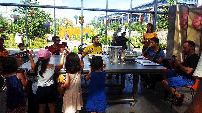 Pagode Zé Samba pour l'anniversaire des Microdoniens