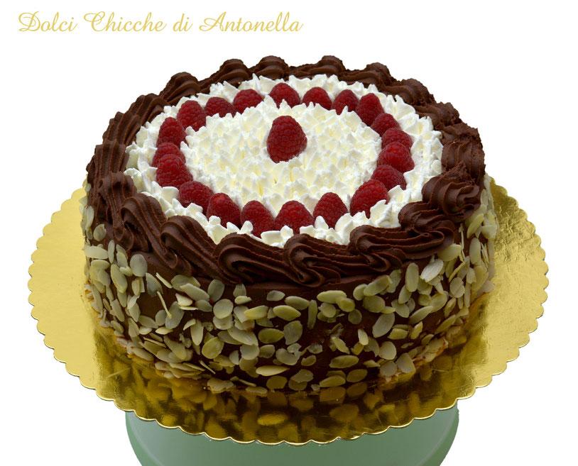 torta cioccolato lamponi-compleanno-dolci-la spezia-pasticceria-eventi-liguria