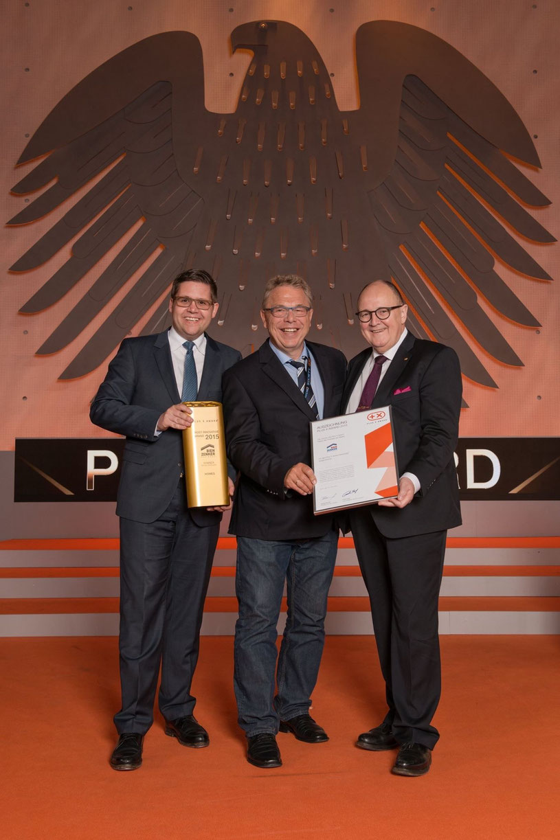 """Bien Zenker, in Folge zum 2. Mal """"innovativste Baufirma Europas"""" mit dem X-Award gekürt worden! Darauf sind wir stolz! Neben uns waren noch Mercedes und andere Top-Marken, die für Innovation und Beständigkeit stehen und ausgezeichnet wurden!"""