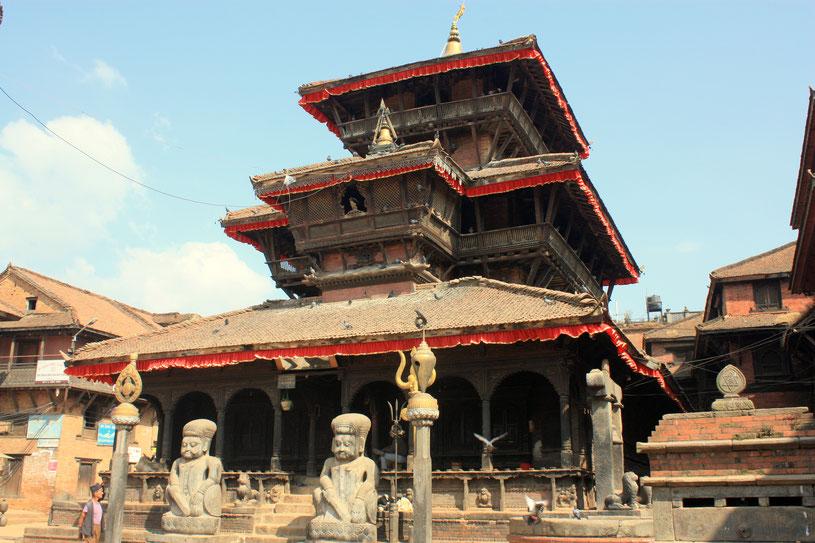 Temple de Dattatreya à 3 niveaux