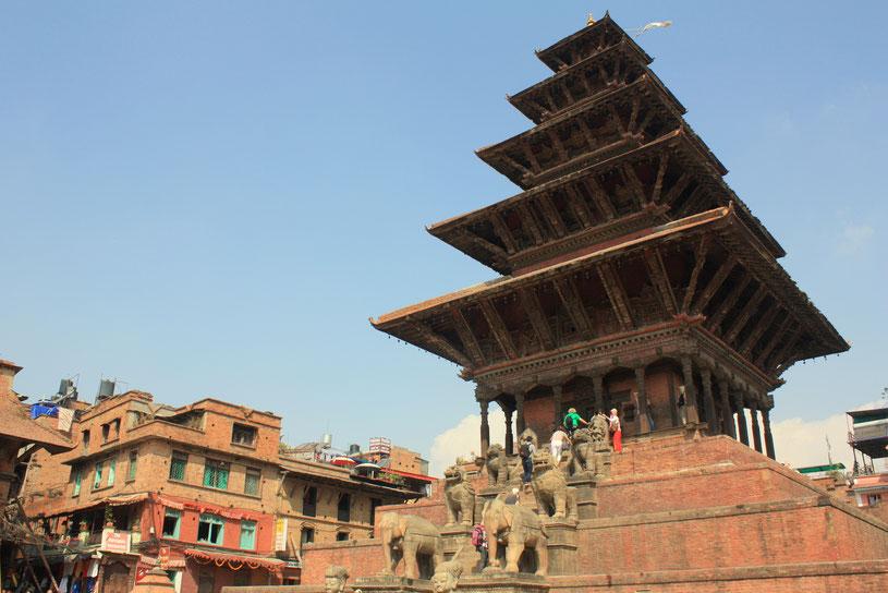 Temple de Nyatapola doté de 5 niveaux culminant à plus de 30 m