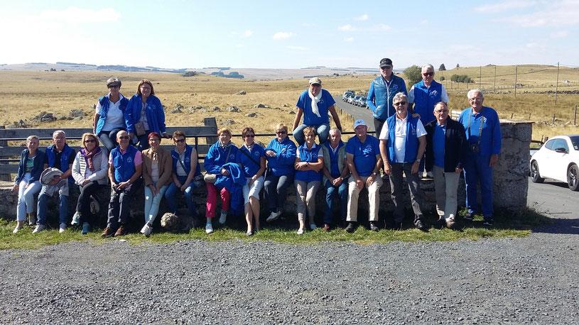 Le CVR en balade en Aveyron !!!! Il est toujours un peu compliqué de réunir un groupe pour la photo !!!!