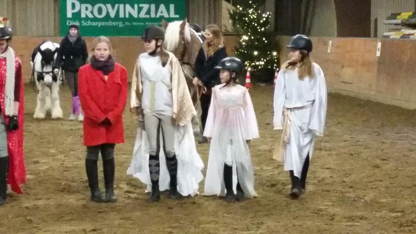 Krippenspiel mit Pferden - so muss Weihnachten für Reiter sein