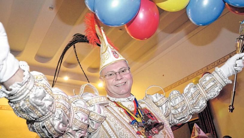 Beim Prinzenball nach der Proklamation drehte Axel I. richtig auf und riss die Gäste im Rittersaal mit. Fotos: Dirk Müller