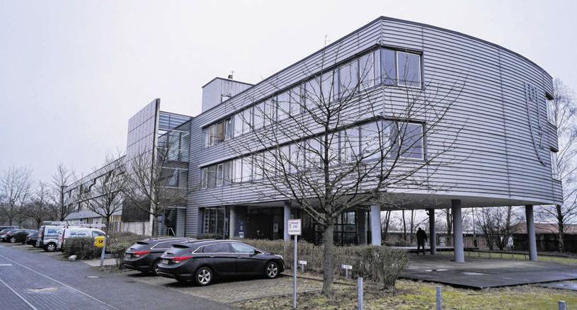 Das Dienstleistungszentrum im Stadtteil Münsterbusch platzt aus allen Nähten. Deshalb soll eine Erweiterung her. Foto: B. Zilkens