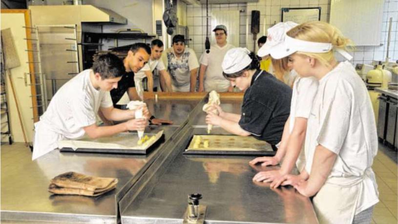 Der Unterricht in den Berufskollegs orientiert sich an realen beruflichen Aufgabenstellungen und wird praxisorientiert umgesetzt. Foto: Städteregion Aachen