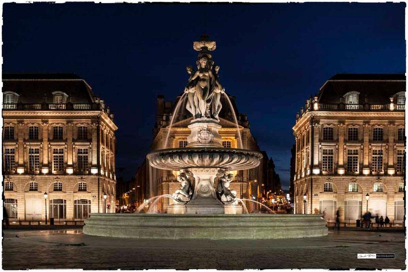 Bordeaux, place de la bourse, fontaine des 3 graces