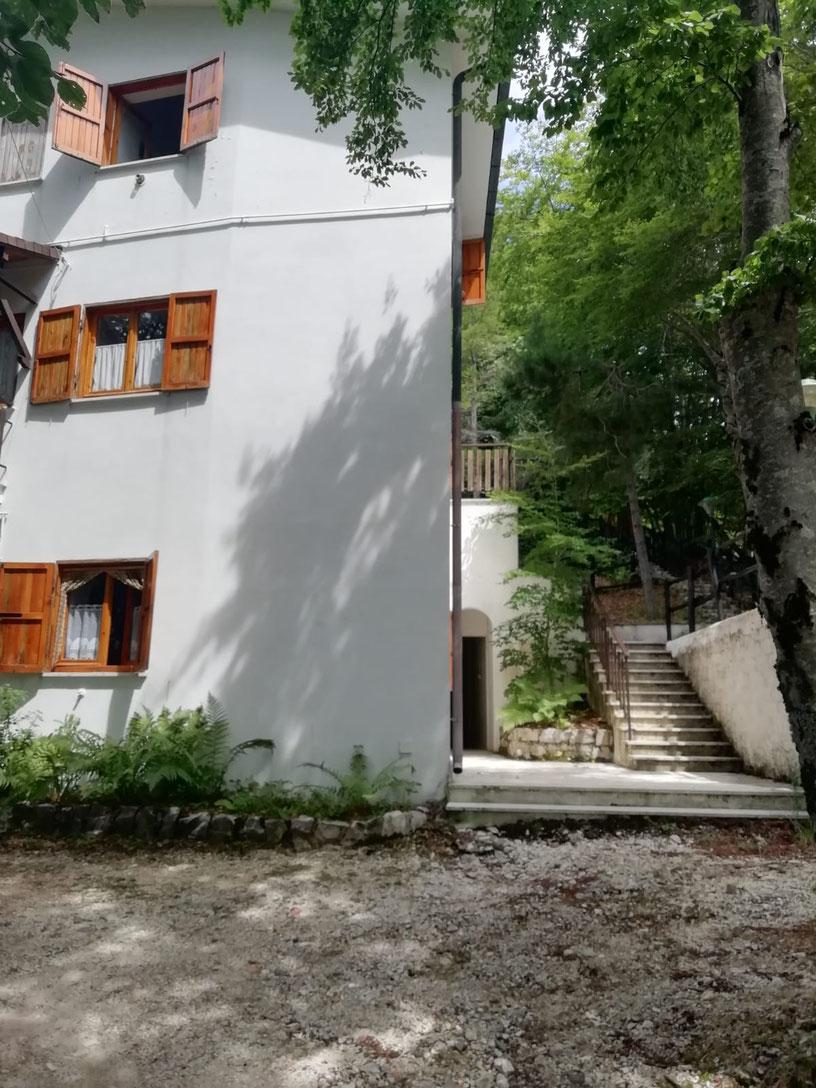 """Appartamento sito nel Residence """"2002"""" immerso nel verde a due passi dal centro  di Monte Livata"""