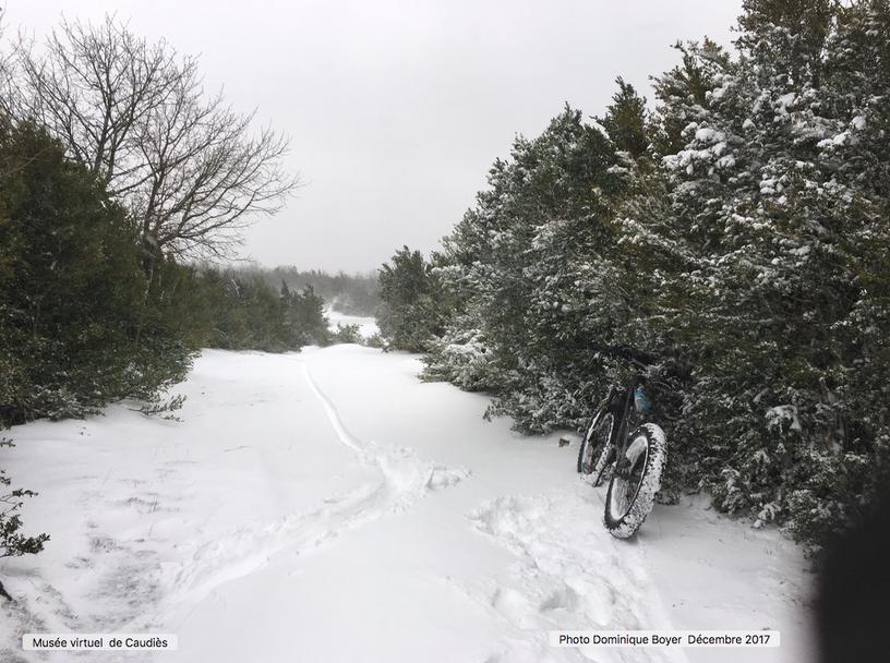 Chemin vers Malabrac sous la neige