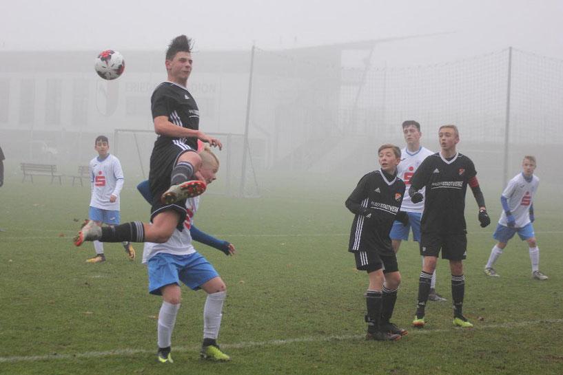 Dominik Voigt (schwarz) erzielte das Tor zum 4:0