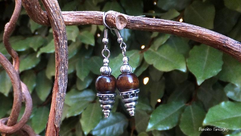 Boucles d'oreilles VIANA tendance ethnique, perle bois marron et coupelle argenté