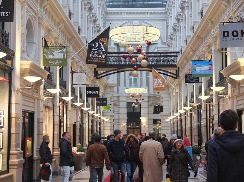 Für die Weihnachtseinkäufe in die Den Haager Passage