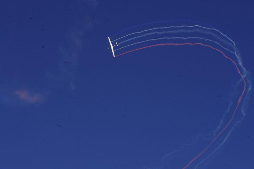 acrobaties en planeur à l'Avignon Air Show 2017