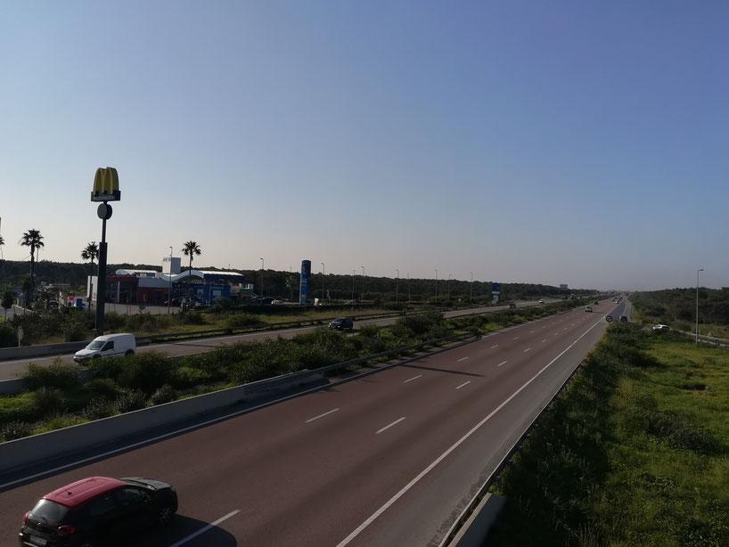 Auf der Autobahn Richtung Agadir