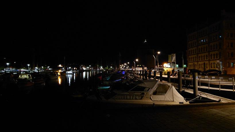 An der Hafenspitze von Eckernförde ist die Runde um Deutschland um 23.00 Uhr geschlossen