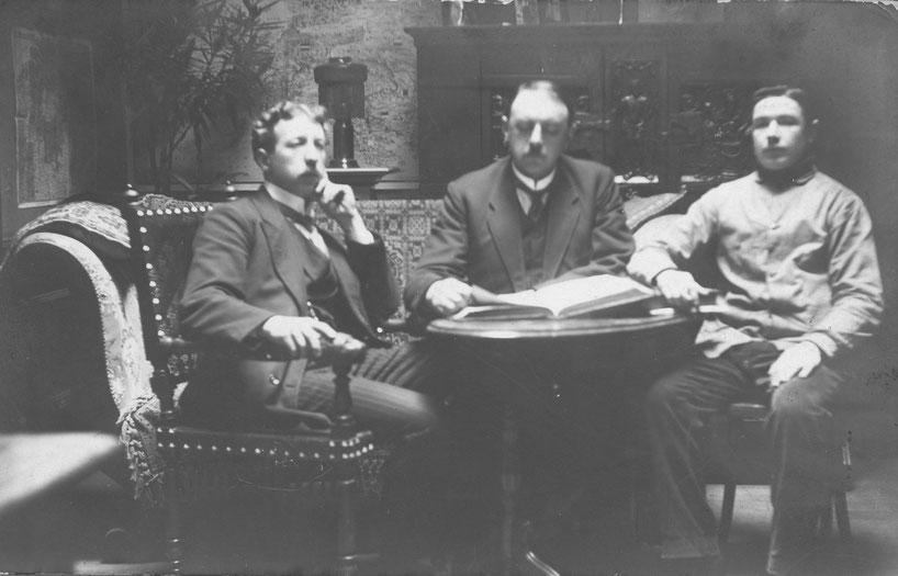 van links: bediende Louis, Gustav Schulte (zwager van HD), D.D. Gavage, een neef van Gustav Schulte (Familie van zijn moeder Octavie (Maria) Schulte-Schreinemacher)