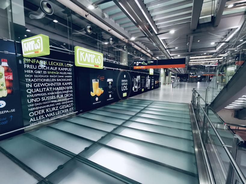 transparente textile Shoptrennwand - Trennshop die Shopabtrennung sogar für Messehallen geeignet Trentex