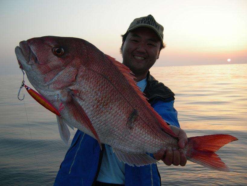 夕日に真鯛の紅が映える 75~76cm