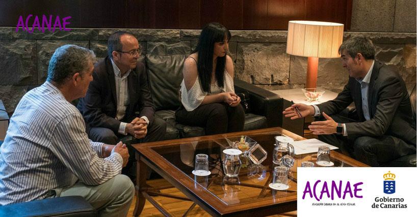 Fernando Clavijo, presidente del Gobierno de Canarias se reune con Lorena Martin - ACANAE