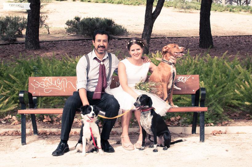 Mari, Héctor y su familia perruna ^.^