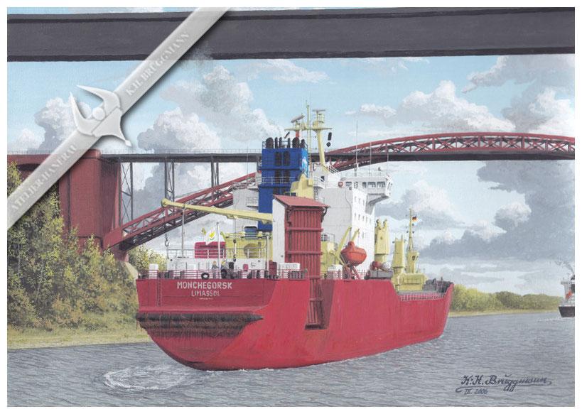 """MS """"Monchegorsk"""" unter den Brücken von Levensau"""