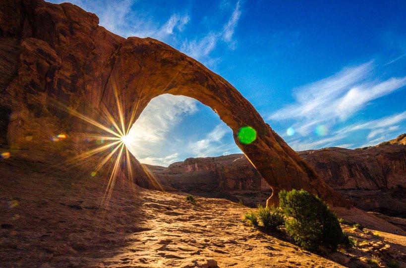 Der Sonnenaufgang am Corona Arch