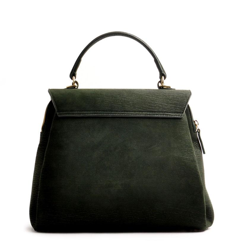 Online-Shop OWA Tracht  exklusive  modische Trachtentasche CLOE versandkostenfrei kaufen. grün. Hochwertiges Rindleder. Henkeltasche . Schultertasche .  Detailansicht Rückseite